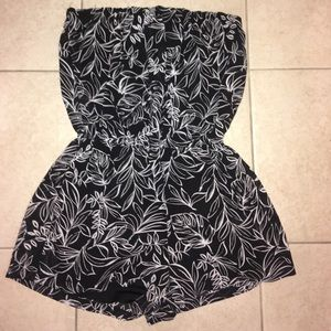 Forever 21 romper with sheer back size Small